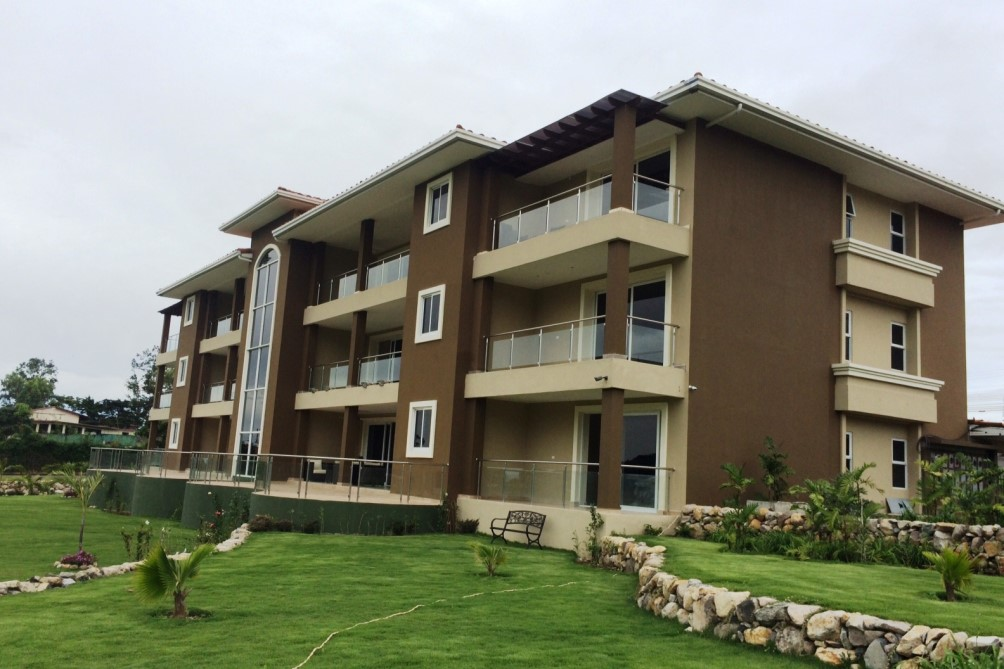 Very large luxury condominium in prime boquete location for Very big houses for sale